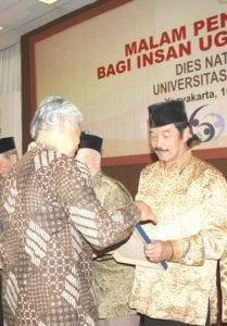 H. Soenarsono, B. Sc (Alumni Fakultas HESP 196...)